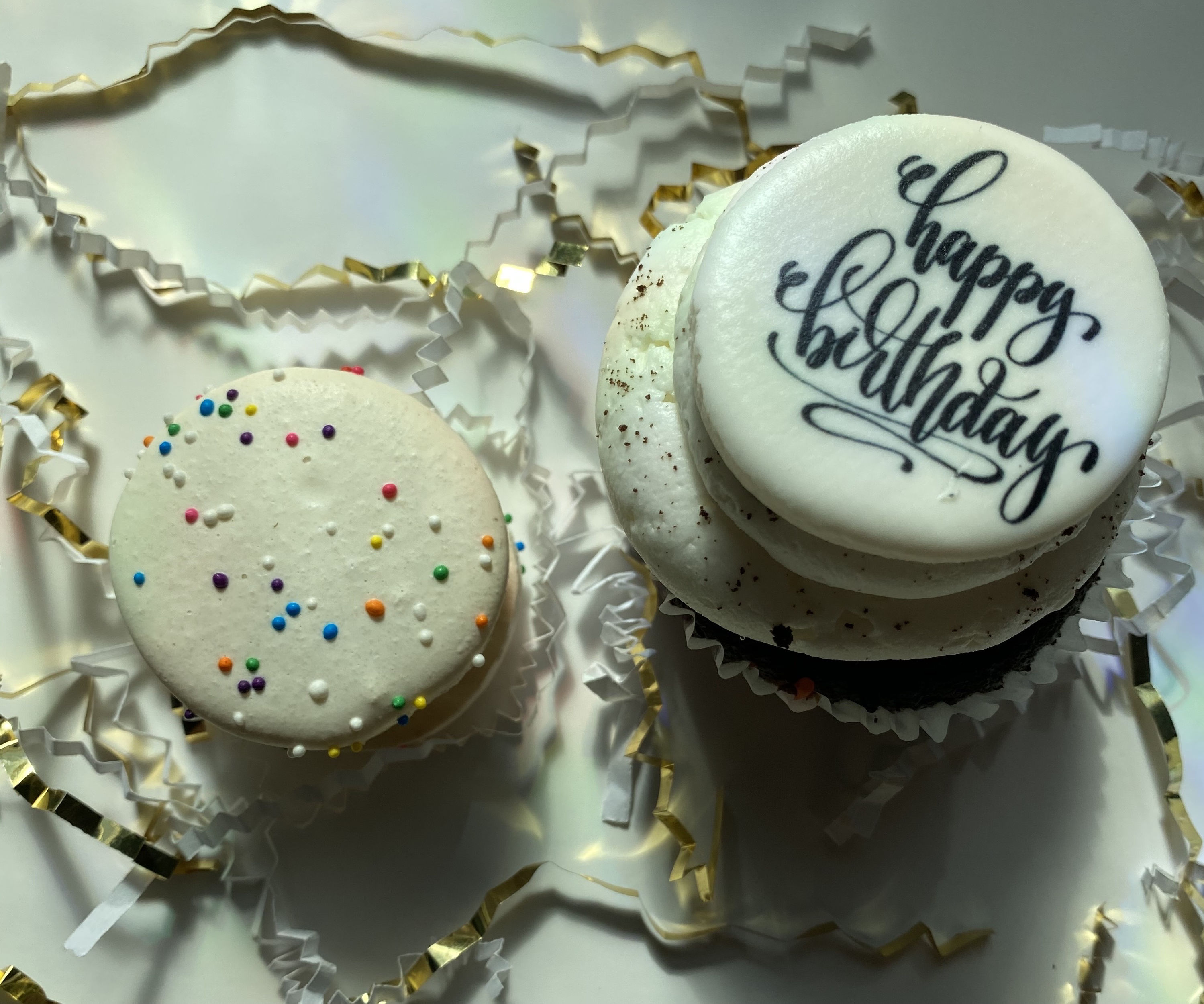 VG-GF Birthday Cake macaron/Cook